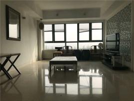 丽高别墅里的公寓 家具家电齐全 重新装修 全包 随时入住