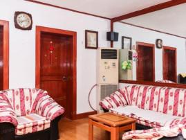 双阳卧室+进门大厅+明卫+户型方正+上夼西路+10平小棚