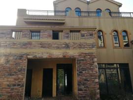 金成翡翠溪谷 新七大道南湾区域 三层别墅带 127平地下室 走一手合同